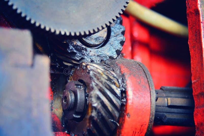 Changement de vitesse, engrenages de transmission et roues Mouvement mécanique des dents images stock