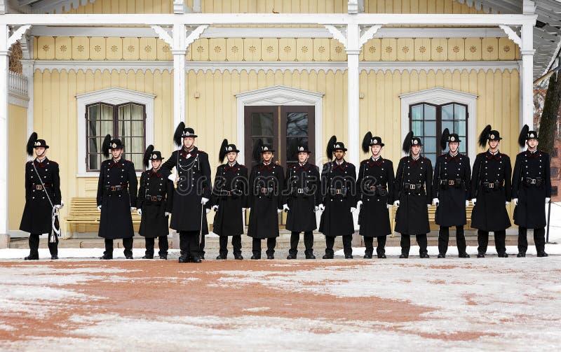 Changement des dispositifs protecteurs royaux à Royal Palace, Oslo photo libre de droits