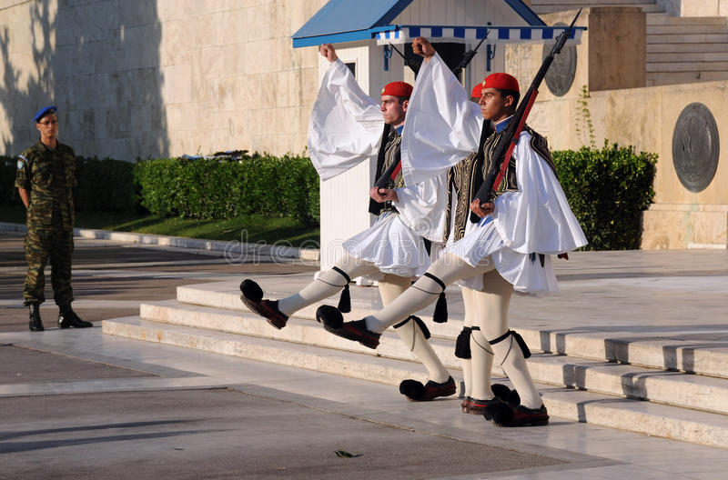 Changement du dispositif protecteur à Athènes photographie stock libre de droits