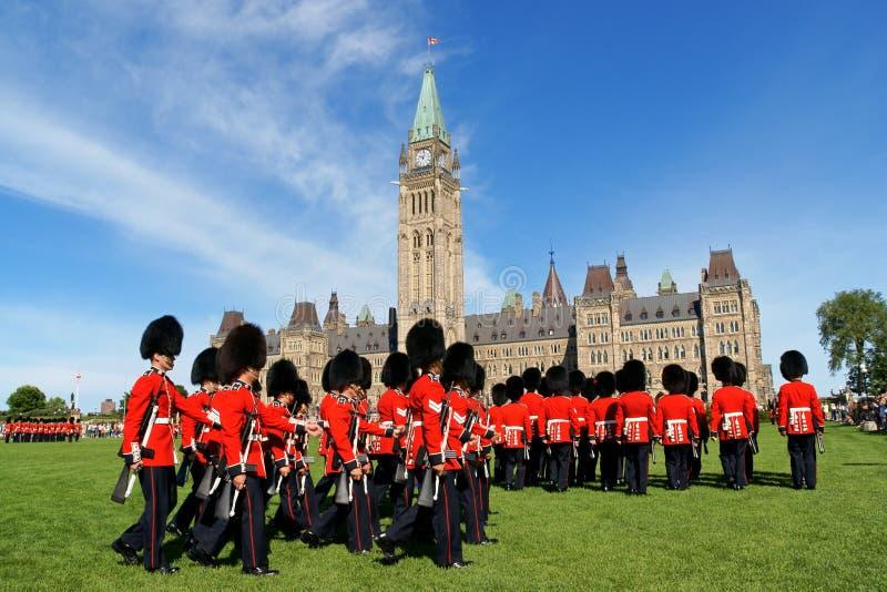 Changement du dispositif protecteur à Ottawa, le Canada image libre de droits