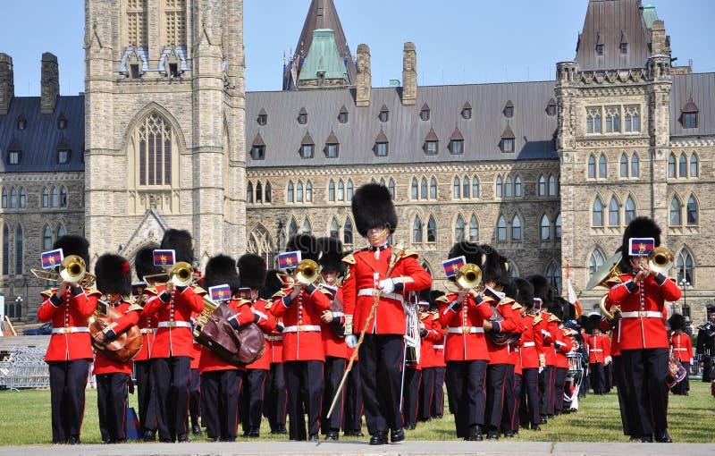 Changement du dispositif protecteur en côte du Parlement, Ottawa photos libres de droits