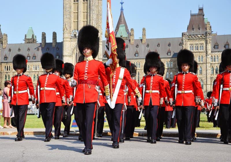 Changement du dispositif protecteur en côte du Parlement, Ottawa photo stock
