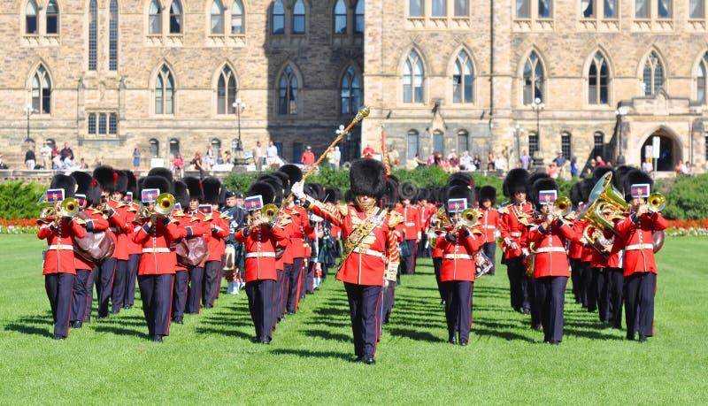 Changement du dispositif protecteur en côte du Parlement, Ottawa photos stock