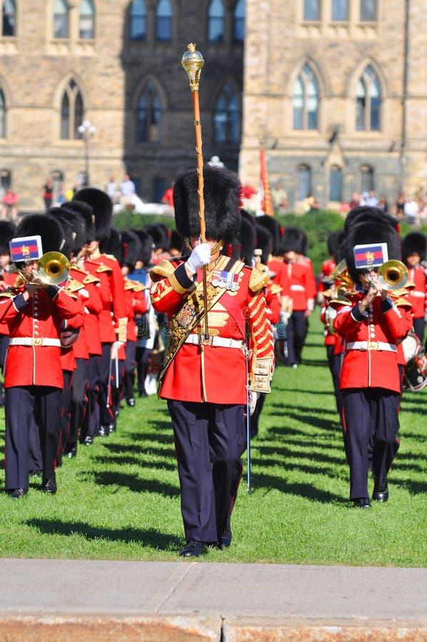 Changement du dispositif protecteur en côte du Parlement, Ottawa photographie stock libre de droits