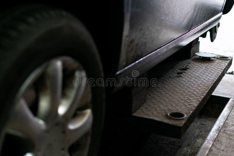 Changement saisonnier de pneu photos stock