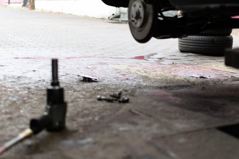 Changement saisonnier de pneu photos libres de droits