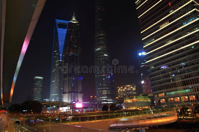 Changhaï Pudong la nuit photos stock