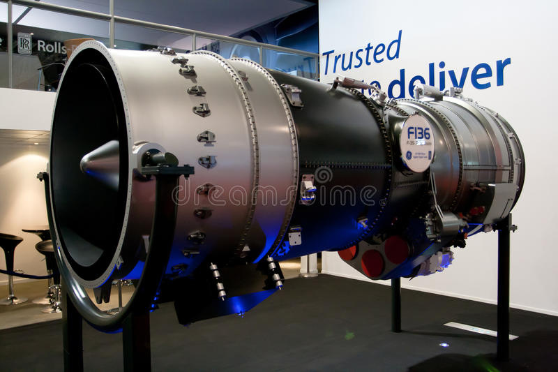 Changi, Singapura - fevereiro 6,2010: Motor de GE Rolls royce F-136 imagens de stock royalty free
