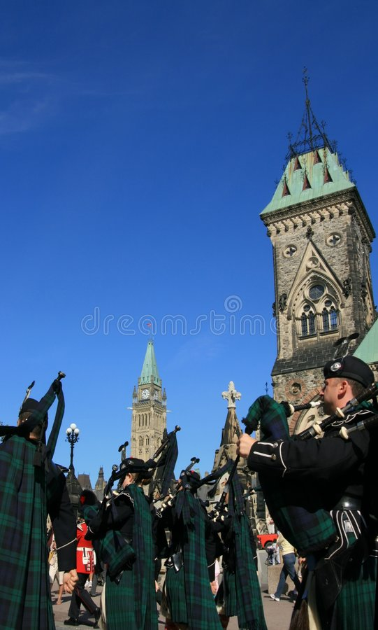 Download Changing Of The Guard Bagpipes Editorial Photography - Image: 7526322
