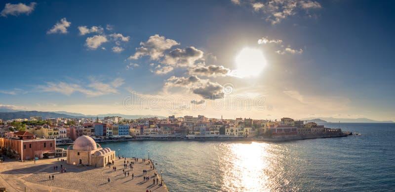 Chania με τον καταπληκτικό φάρο, στο ηλιοβασίλεμα, Κρήτη, Ελλάδα στοκ φωτογραφία