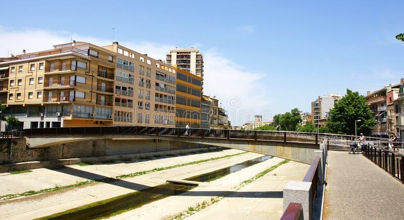 Channeling van de rivier Onyar in Girona, stock foto's