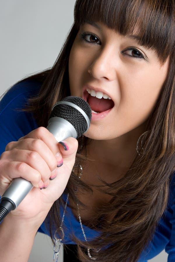 chant asiatique de fille image stock