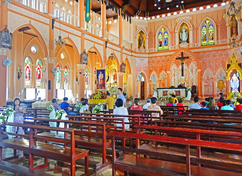CHANTABURI THAÏLANDE - 26 JUILLET 2019 Chrétien thaïlandais à la cathédrale de l'Immaculée Conception, Chanthaburi Thaïland photographie stock libre de droits
