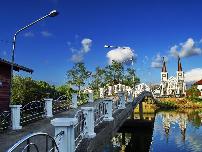 CHANTABURI THAILAND-29 September 2018: Gammal katolsk kyrka av Maephra Patisonti Niramon som lokaliseras i det Chantaburi landska arkivfoton