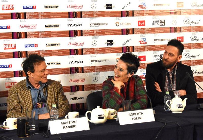 Chanteur, acteur Massimo Ranieri, Italie, au quarantième festival de film international de Moscou photo stock