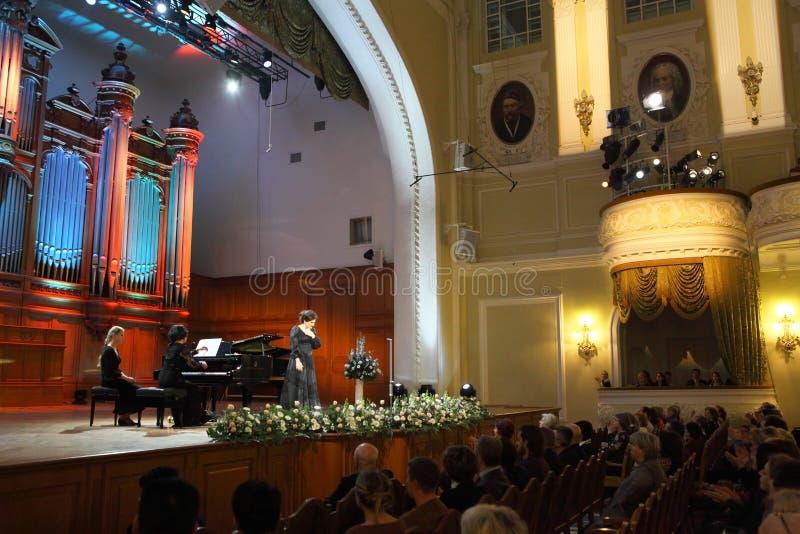 Chanteur de Dinara Aliyeva. Concert de musique classique dans le conserv de Moscou image libre de droits