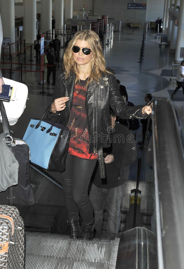Chanteur Fergie de Black Eyed Peas chez LAX images libres de droits