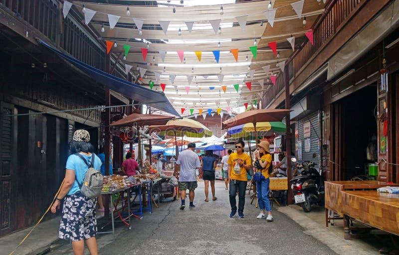 CHANTHABURI TAILANDIA 26 LUGLIO 2019: Il mercato di Nong Bua o il maket strano tailandese dei dessert ha nomi suonanti sconosciut immagini stock