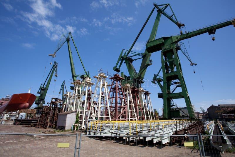 Chantier de construction dans le chantier naval de Danzig image stock