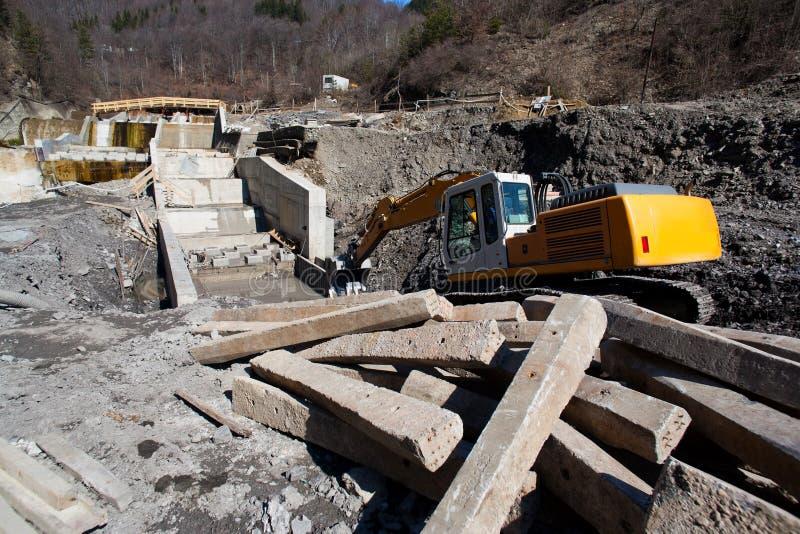 Chantier de construction sur des riverbanks image libre de droits