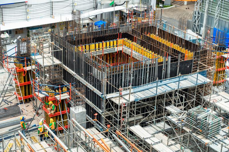 Chantier de construction sur le processus sous construit, développement de Real Estate, industrie d'affaires , Gestion des projet images stock