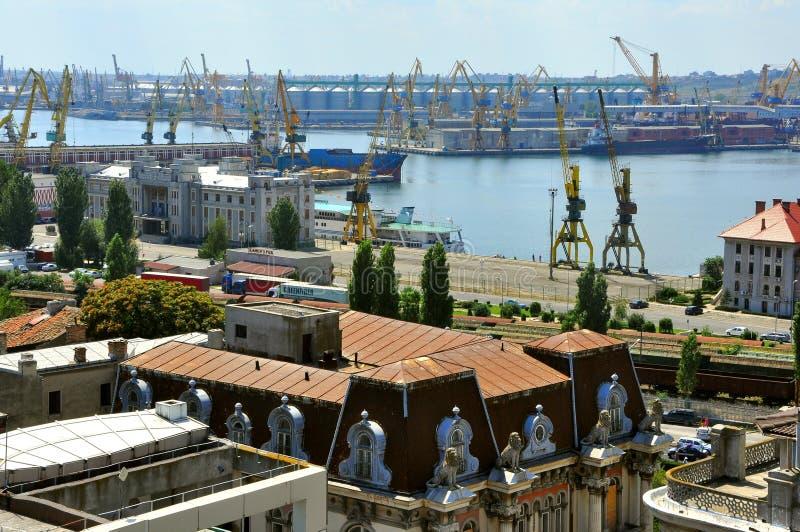 Chantier naval roumain dans la ville de Constanta photos stock