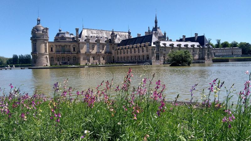 Chantilly kasztel i swój park obrazy royalty free