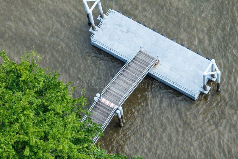 Chao Phraya för bästa sikt för pir flod Bangkok arkivfoto