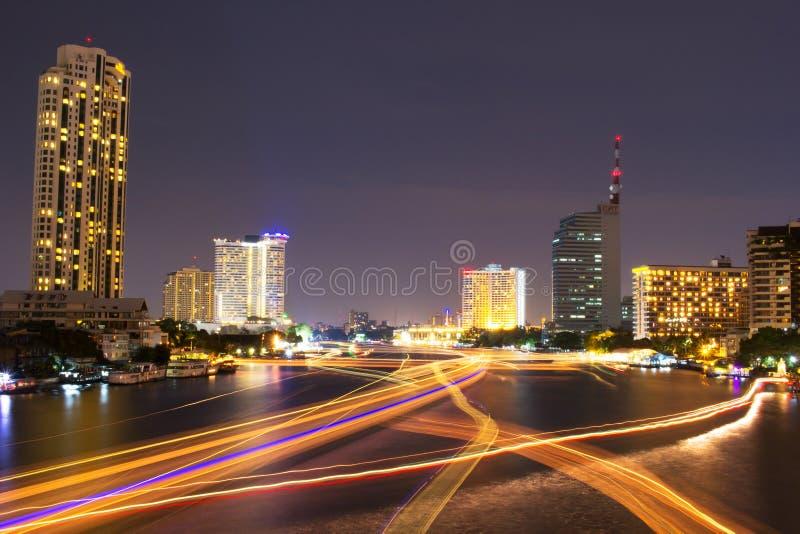 Chao Praya River no crepúsculo fotos de stock