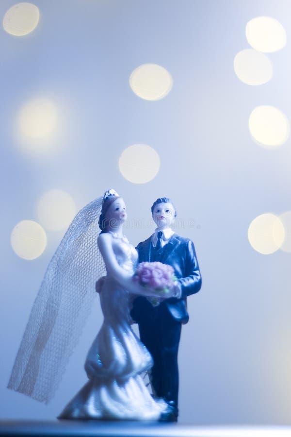 Chapéu de coco do bolo do noivo da noiva da união imagem de stock