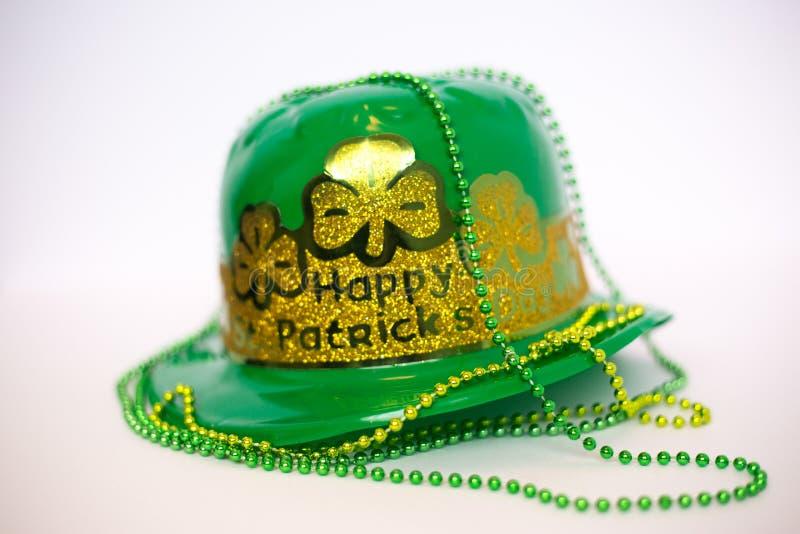 Chapéu e decoração do dia do ` s de St Patrick imagem de stock