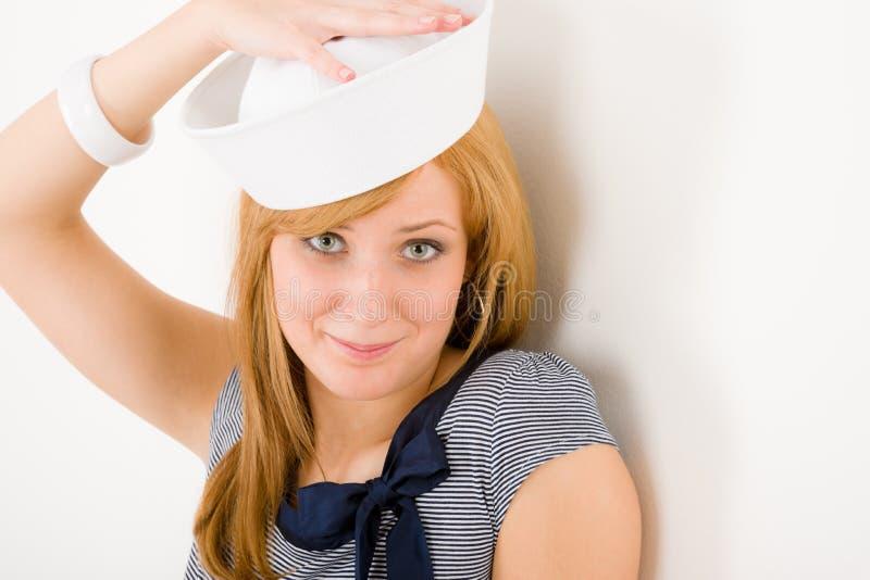 Chapéu marinho novo do marinheiro do retrato da forma da mulher imagem de stock