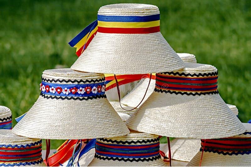 Chapéus para os homens romanian-1 tradicional foto de stock royalty free