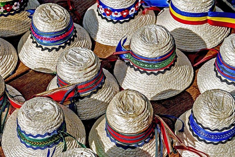 Chapéus para os homens romanian-3 tradicional foto de stock royalty free