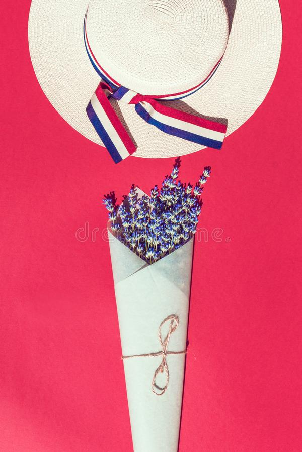 Chap?u e flor imagem de stock royalty free