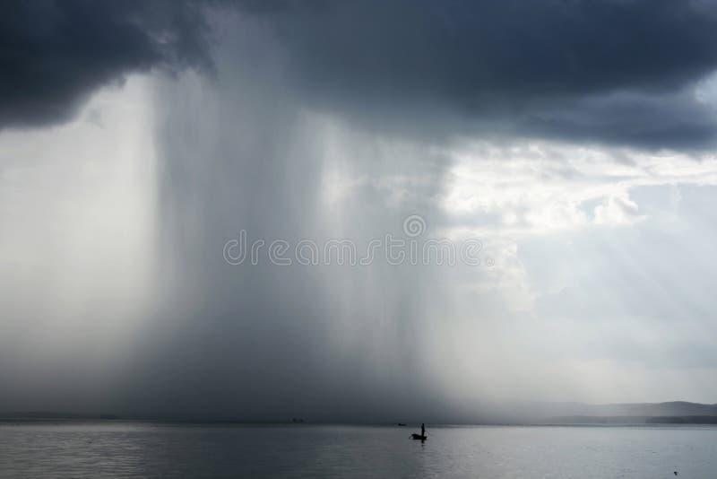 Chaparrón de la tempestad de truenos imagen de archivo libre de regalías