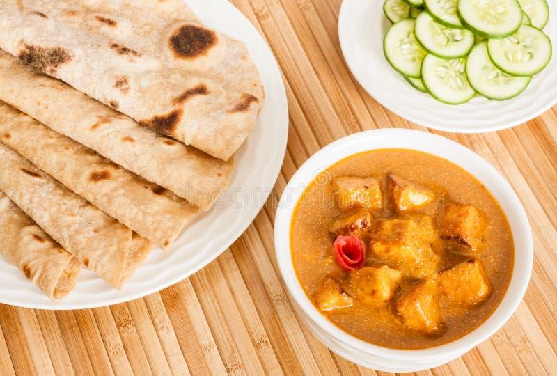 Chapati com manteiga Masala de Paneer do indiano foto de stock