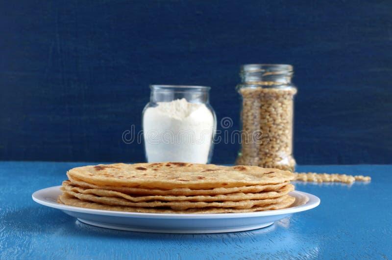 Chapati Indiański jedzenie robić od Pszenicznej mąki ciasta fotografia stock