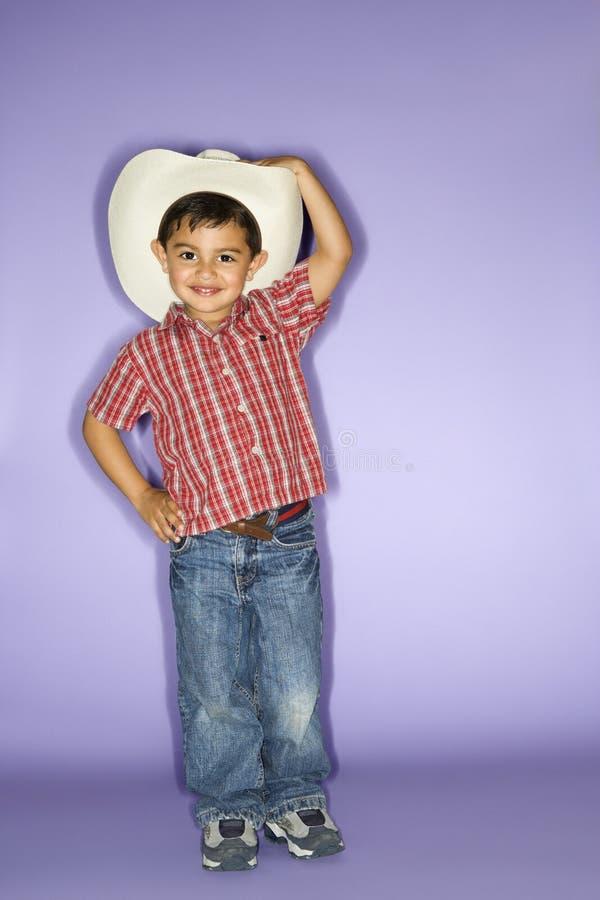Chapeau de cowboy s'usant de garçon. photo libre de droits