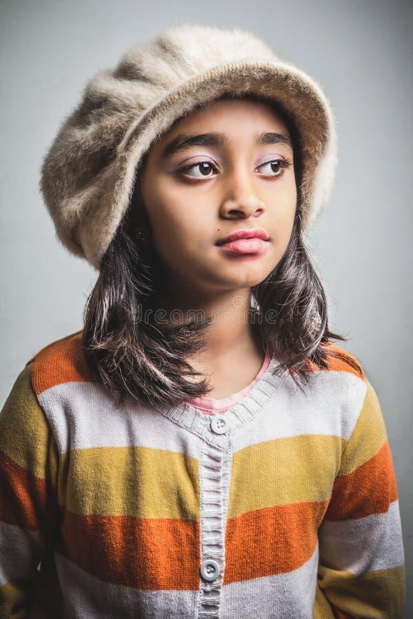 Chapeau s'usant de petite fille photo libre de droits