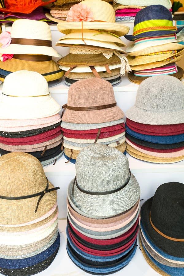 Download Chapeaux Dans Un Magasin De Chapeau Dans Pékin Chine Image stock - Image du chapeau, multiple: 76086193