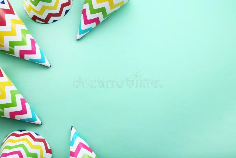 Chapeaux de papier d'anniversaire photographie stock