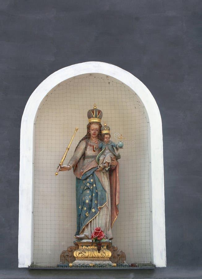 Chapel With Madonna And Jesus,Cesky Krumlov, Czech Republic Royalty Free Stock Photos