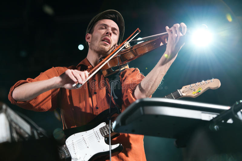 Download Chapelier Fou editorial stock photo. Image of band, onstage - 22171223