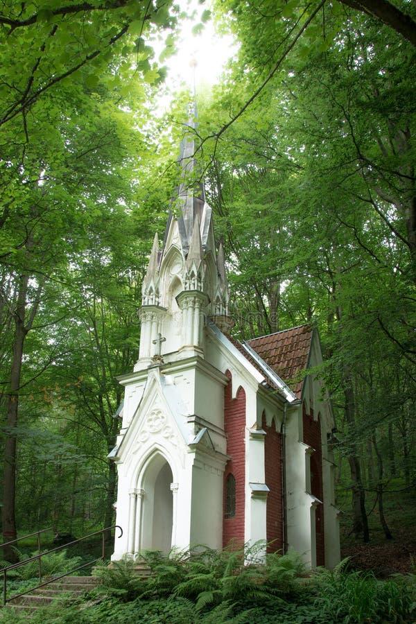 Chapelle dans les bois image stock