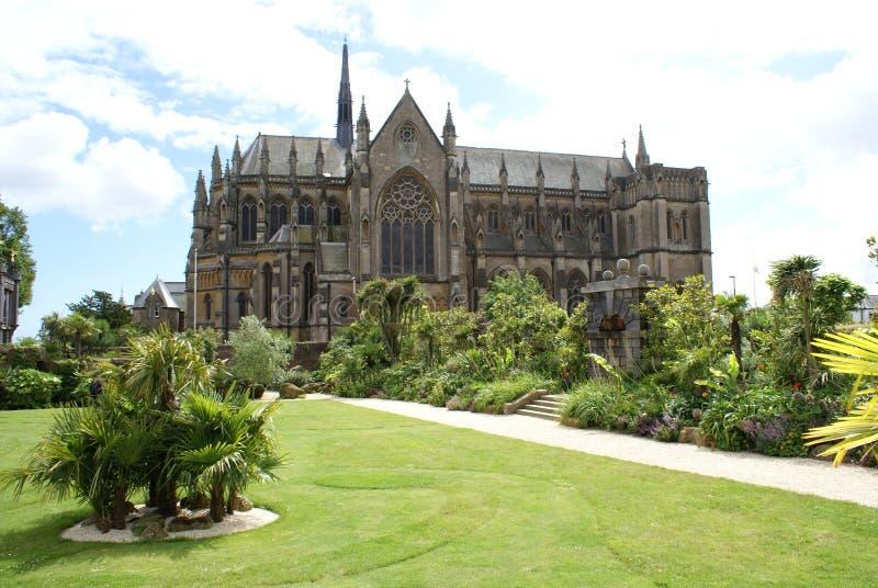 Chapelle de Fitzalan, église de château d'Arundel et jardin en Angleterre photo stock