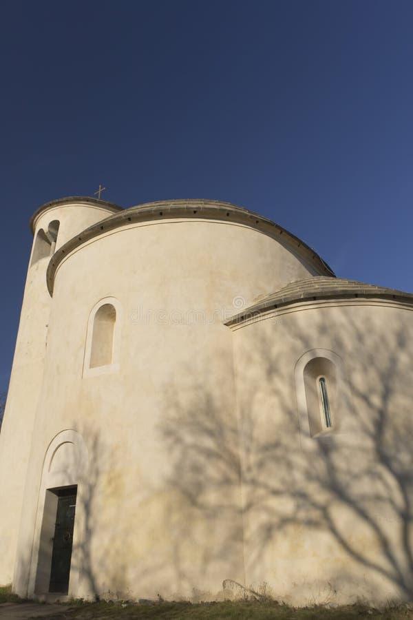 Chapelle de rue George sur la déchirure de support (République Tchèque) photo stock