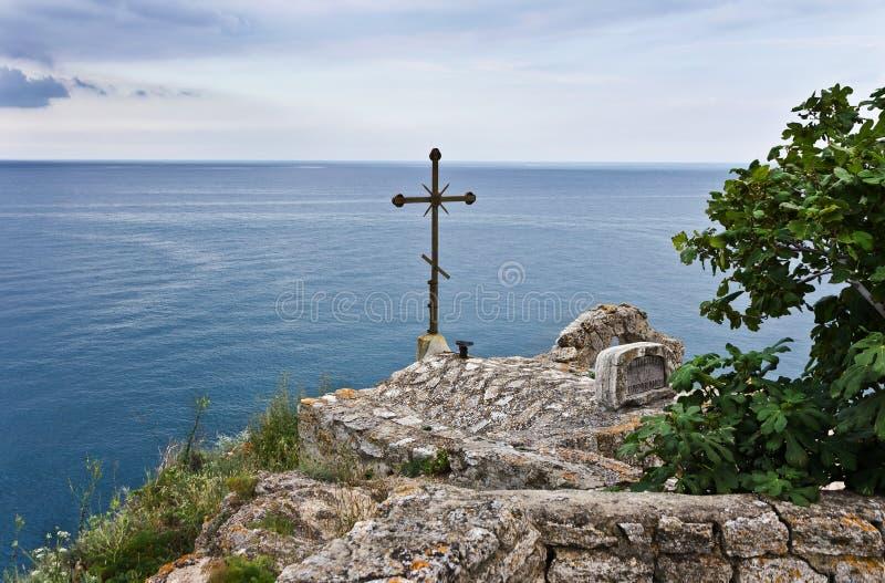 Chapelle de Saint-Nicolas au cap Kaliakra en Bulgarie photos libres de droits