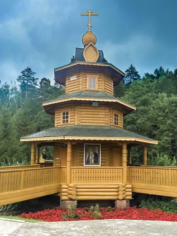 Chapelle en bois le ressort saint du séraphin de Sarov photo libre de droits