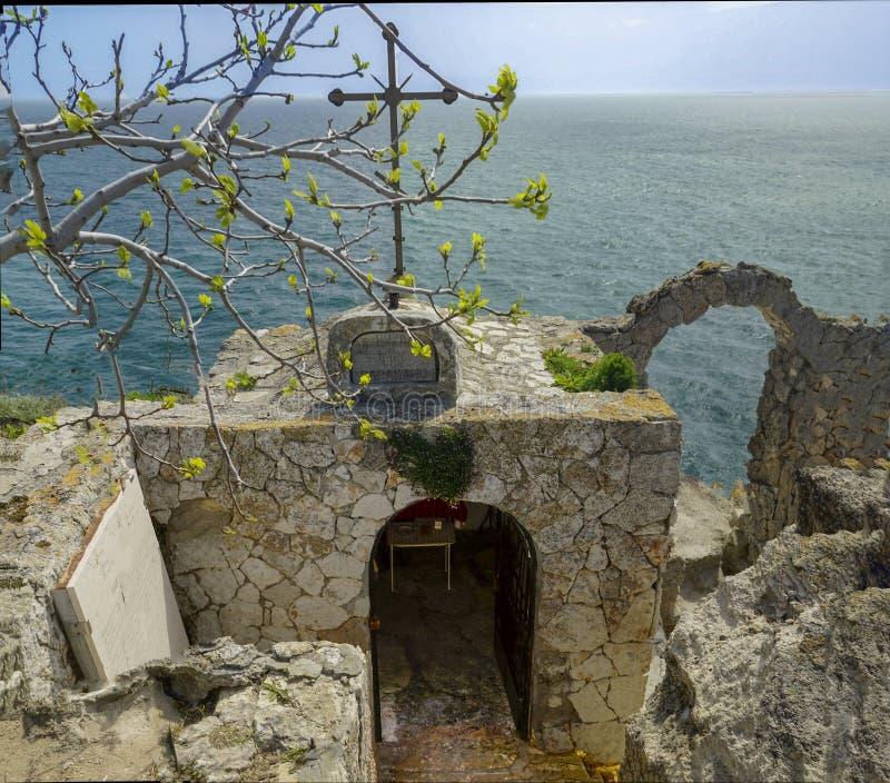 Chapelle Saint-Nicolas de forteresse de cap de Kaliakra photos stock